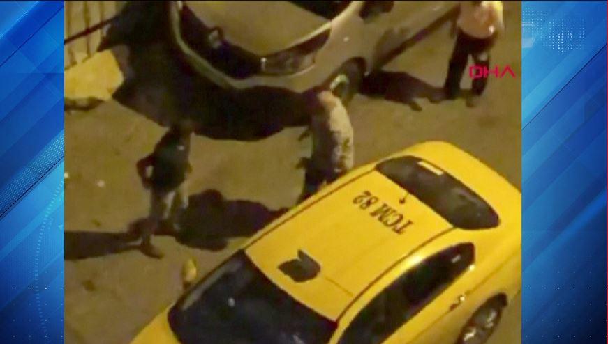 taksici müşterisine küfür ediyor – Telegraph